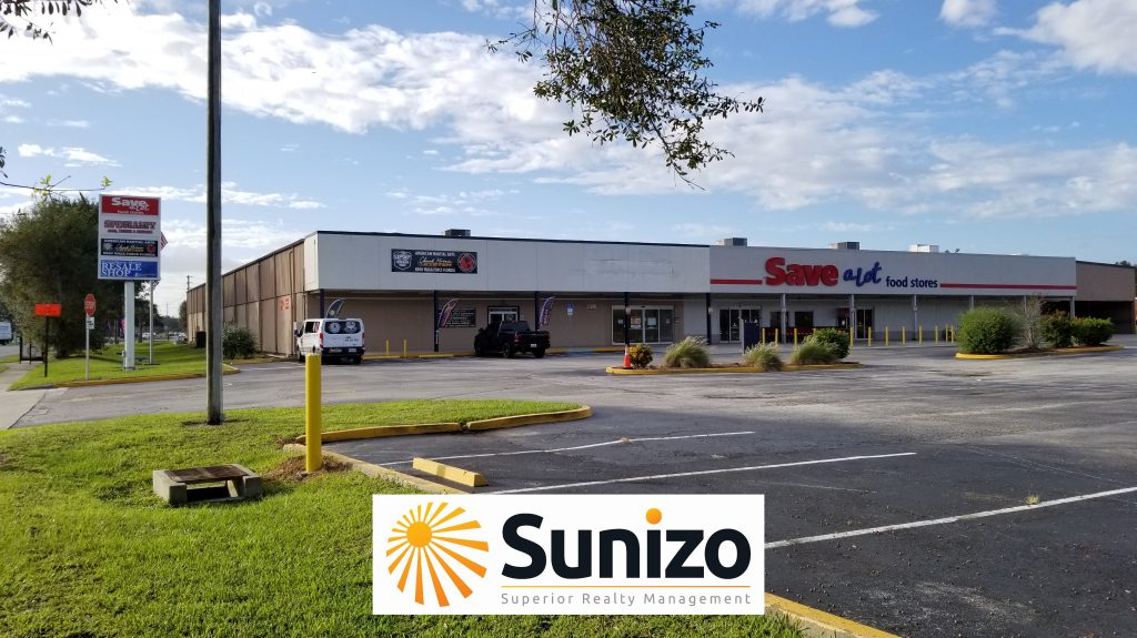 Retail commercial real estate property located in New Smyrna Beach, Florida.